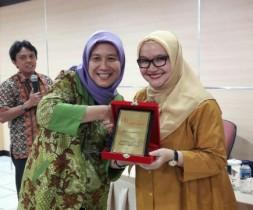 "Yunita Virdianti, ICON PR INDONESIA 2017: ""Out of The Box"""