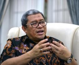 Ahmad Heryawan:  Mengemas Komunikasi Seharum Biji Kopi
