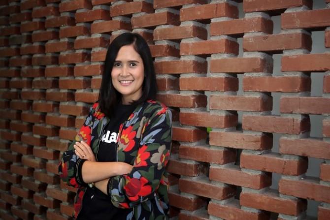 Evi, PR Manager Bukalapak: