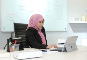 Novita Dewi, Jaktour: Building from Minus