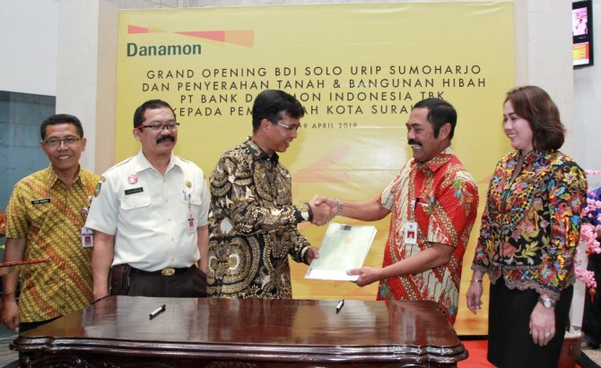 Dukung Pelestarian Kawasan Historis, Danamon Serahkan Kantor Cabang