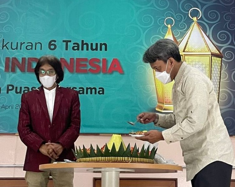 HUT Ke-6 PR INDONESIA: Komunikasi Pakai Hati