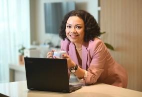 Anita Bernardus, APRIL Group: Relevan adalah Kunci